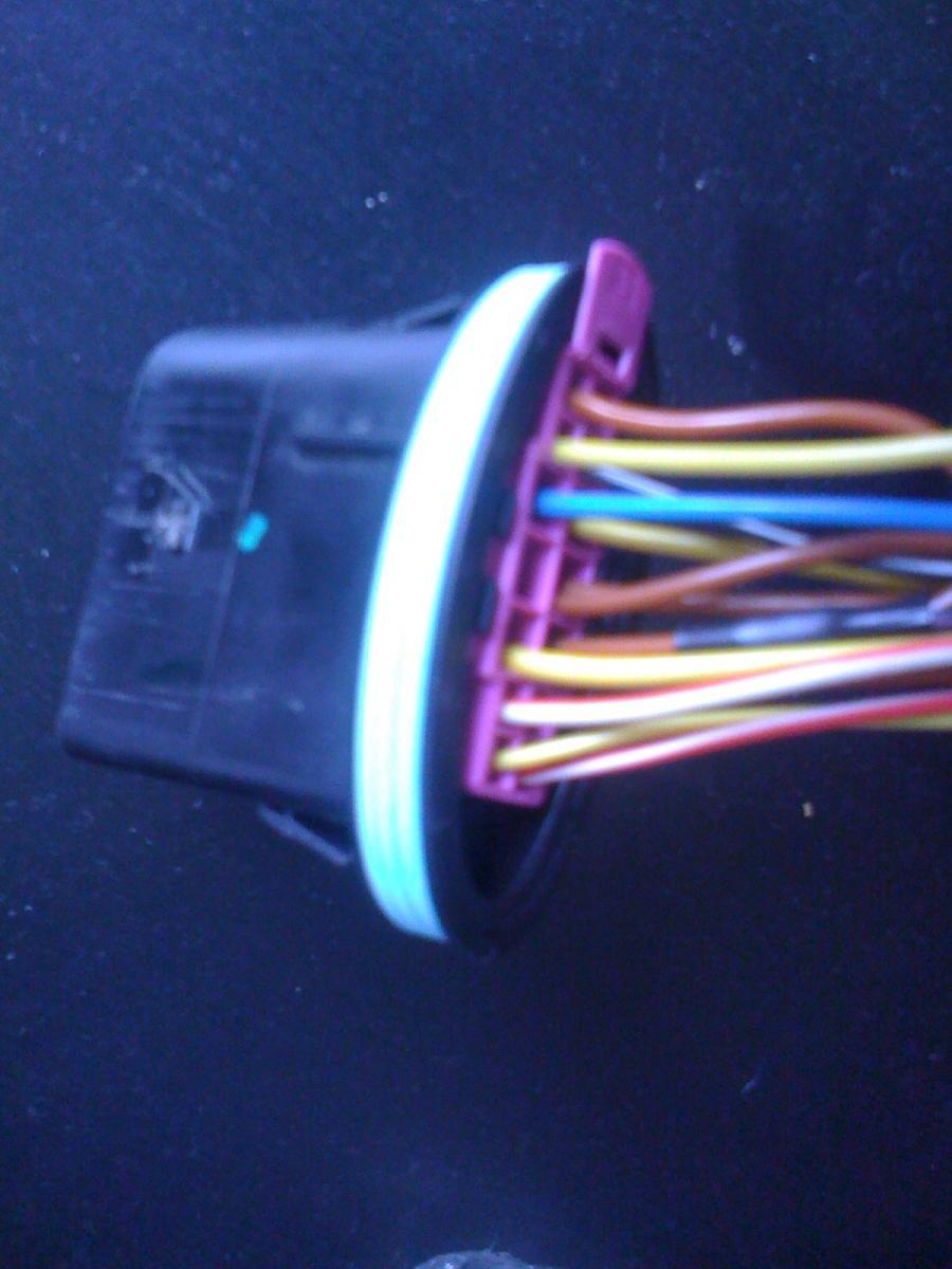 14 Pin Headlight Socket